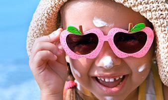 הגנה מפני השמש לתינוקות ולילדים | حماية الأطفال والأولاد من الشمس