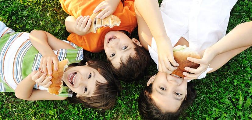 אכילה אצל תינוקות, פעוטות וילדים- הנאה ואתגר | الأكل لدى الأطفال، الرضع، والأولاد - التمتع والتحدي