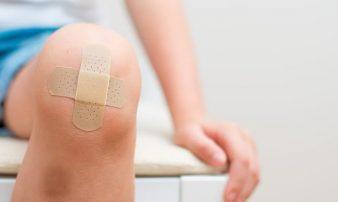 הגורמים הנפוצים לפציעות ילדות- בבית ובחוץ | الأسباب الشائعة للإصابات في سن الطفولة
