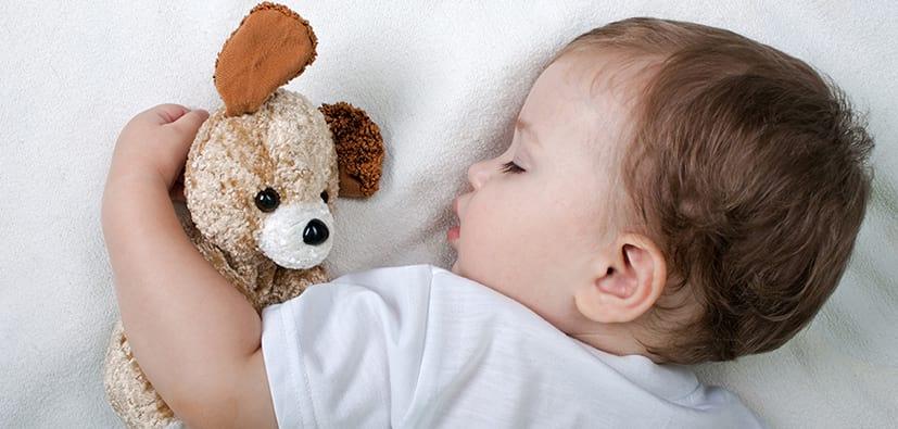 שנת תינוקות בגיל 2-12 חודשים | نوم الأطفال في عمر شهرين وسنة