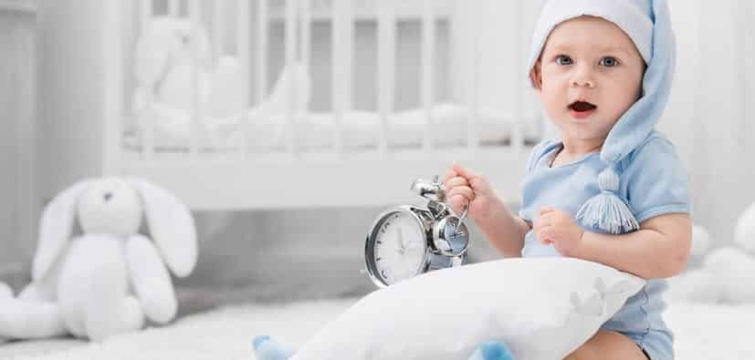 צורכי השינה של תינוקות ופעוטות | الحاجة إلى النوم لدى الأطفال الصغار