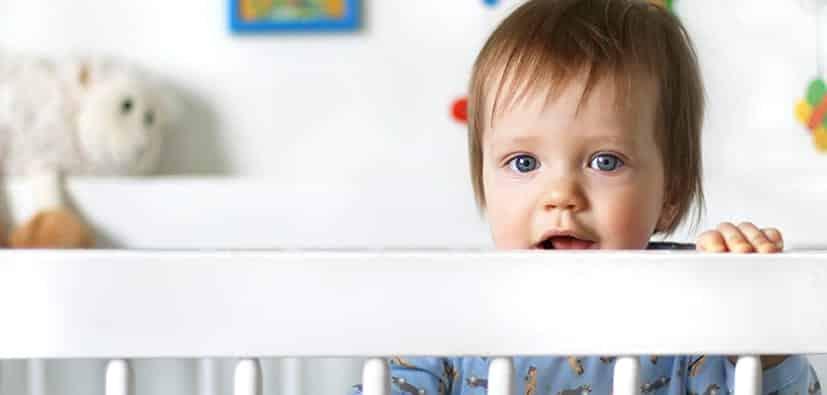 התרחקות הדרגתית- ללמד תינוקות הרדמות עצמאית | الابتعاد التدريجي- تعليم الرُّضَّع النوم المستقل
