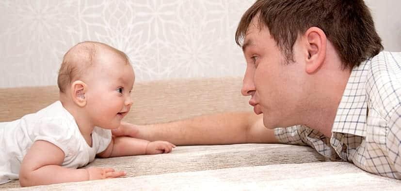 מדוע חשוב לדבר עם תינוקות ופעוטות | لمَ من المهم التحدث إلى الأطفال والرُّضَّع؟