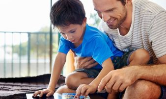 שימוש בתשומת לב לשיפור ההתנהגות | استخدام الانتباه لتحسين السلوكيّات