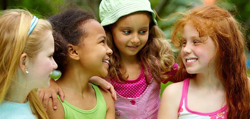 מיומנויות שיחה אצל ילדים: דיבור והקשבה | مهارات المحادثة لدى الأولاد: التحدث والإصغاء