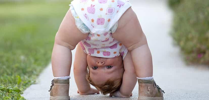 התפתחות פעוטות בגיל 12-15 חודשים | تطوّر الرُضّع في سن 12-15 شهرا