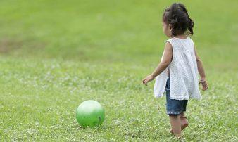התפתחות פעוטות בגיל 18-24 חודשים | تطور الرُضّع في سن 18-24 شهرا