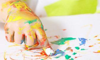 למידה והתפתחות יצירתית אצל פעוטות | التعلّم والتطور الإبداعي لدى الرُضّع