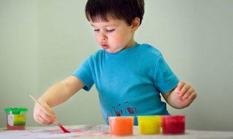 למידה והתפתחות יצירתית אצל פעוטות: רעיונות ופעילויות | التعلّم والنموّ الإبداعي لدى الرُضّع: الأفكار والنشاطات