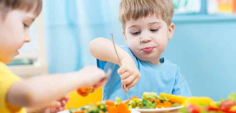 כיצד לעודד את הילדים לאכול ירקות | كيف تشجّعون الأولاد على تناوُل الخضروات