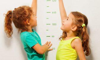 כיצד מתייחסים לעקומות גדילה ביחס לילדכם? | توقعات ومشاكل شائعة في الأسبوع الأول للطفل