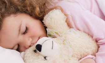 שינה וילדים: 20 שאלות נפוצות | النوم والأطفال: 20 سؤالا شائعا