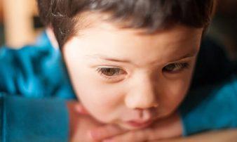 דיכאון אצל ילדים בני שלוש עד שמונה | الاكتئاب لدى الأولاد في سن 3-8 سنوات