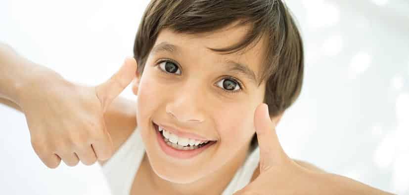 התנהגות ילדים בגיל בית הספר: למה לצפות | تصرف الأولاد في سن المدرسة
