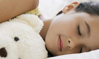 שנת ילדים בגיל בית הספר: למה לצפות | نوم الأولاد في سنّ المدرسة: ماذا نتوقع