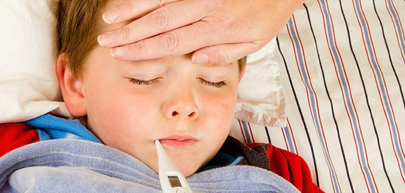 סימנים למחלת ילדות הדורשת התייחסות מידית | علامات أمراض الطفولة التي تتطلب اهتماما فوريا