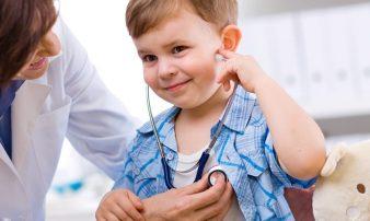 לקחת את הילד לרופא