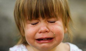 כיצד מתמודדים עם בכי בגילאים השונים? | كيف تواجهون البكاء في أعمار مختلفة؟