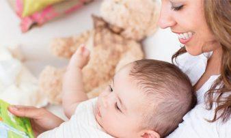 לקרוא לתינוקות מרגע הלידה- איך ומתי? | القراءة للأولاد منذ الولادة - كيف ومتى؟