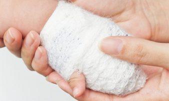 מניעת כוויות ומתן עזרה ראשונה | منع الحروق وتقديم إسعاف أولي