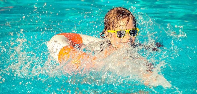 בטיחות במים- לשמור על הילדים במים ובסביבתם | الأمان في الماء-الحفاظ على الأطفال بالماء
