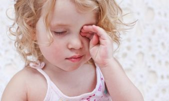 חשיבות זיהוי סימני עייפות בתינוקות וילדים | أهمية التعرف على علامات التعب لدى الطفل