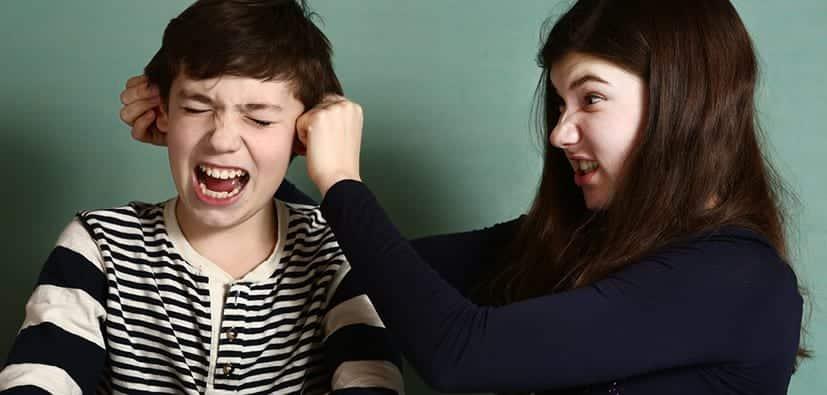 מריבות בין אחים בגיל ההתבגרות | النزاعات بين الإخوة في سن المراهقة