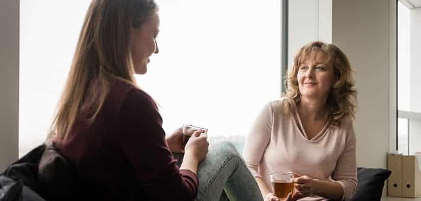 הקשבה פעילה: שיפור התקשורת ובניית יחסים חיוביים | الإصغاء الفعّال: تحسين التواصل والعلاقة الإيجابية