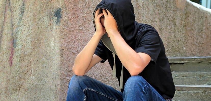 עליות וירידות רגשיות בגיל ההתבגרות | التقلبات العاطفية في سن المراهقة