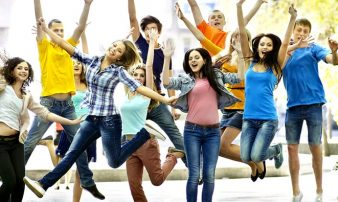 איך לגדל מתבגרים מאושרים| كيف نربي مراهقين سعداء