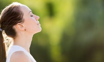 מודעות קשובה (מיינדפולנס) | اليقظة الذهنية الكاملة (Mindfulness)