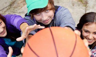 פעילות גופנית לילדים גדולים ולבני נוער | النشاط الجسماني للأولاد الكبار والشبّان