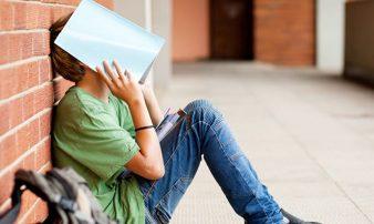 בעיות בבית הספר בגיל 9 עד 15 | المشاكل في المدرسة: في سن 9-15 عاما