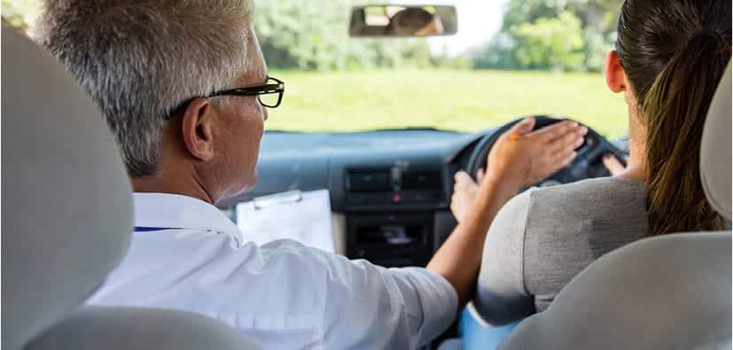 לימודי נהיגה | تعلّم قيادة السيّارة