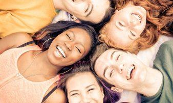 תקשורת ומערכות יחסים אצל מתבגרים: סקירה | التواصُل والعلاقات لدى المراهقين: لمحة