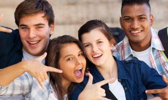 התפתחות בגיל ההתבגרות: סקירה | التطوّر في سن المراهقة: لمحة