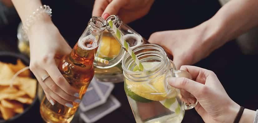 טיפים למניעה וצמצום שתיית אלכוהול למתבגרים | نصائح للوقاية وتقليل استهلاك المراهقين للكحول