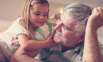 איזה סוג של סבא וסבתא תרצו להיות? | أنتم تقررون أي نوع من الأجداد ستكونون.