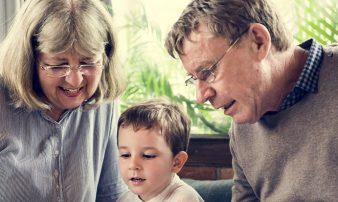 להיות סבא וסבתא: כללים וגבולות | أن تكون جدًّا أو جدّة: القواعِدُ والحدود