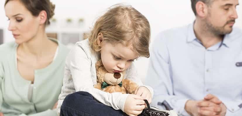 לעזור לילדים להסתגל אחרי פרידה או גירושים | مساعدة الأولاد على التأقلم بعد الانفصال/ الطلاق