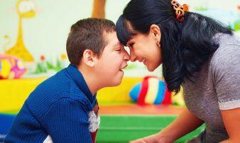 כיצד לדבר על הצרכים המיוחדים של ילדכם | كيف تتحدثون عن احتياجات ابنكم الخاصة