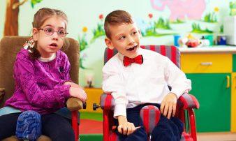 משחק וחברויות אצל ילדים עם צרכים מיוחדים | اللعب والصداقات لدى الأولاد ذوي الاحتياجات الخاصة