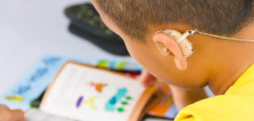 לקות שמיעה: מדריך לקבלת הערכה ואבחון | المشاكل في السمع: التقييم والتشخيص