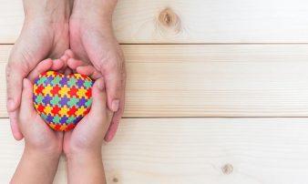תסמונת הספקטרום האוטיסטי (אוטיזם): סקירה | متلازمة طيف التوحد: لمحة