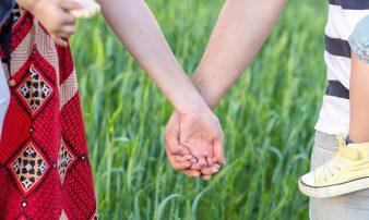 מערכות יחסים במשפחה ותסמונת הספקטרום האוטיסטי | العلاقات العائلية ومتلازمة طيف التوحد