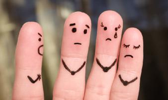 כשהסגר והבידוד הופכים למסוכנים: אלימות במשפחה | حين يشكّل الحجر الصحي والعزل خطرًا: العنف الأُسري